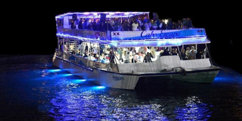 BOAT PARTY IN SOUTH BEACH TEXT EDDIE @ 786-346-8836  BEFORE YOU PURCHASE ,Miami