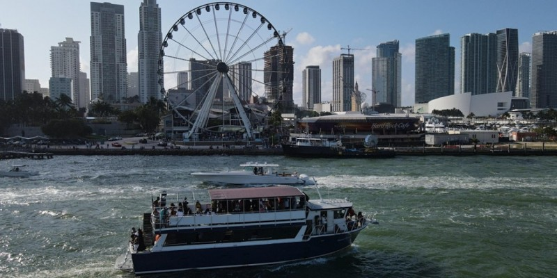 SAVAGE HIP HOP BOAT PARTY BOOZE CRUISE WITH OPEN BAR #1 IN MIAMI ,Miami