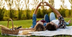 Pop-Up Picnic in the Park Couple Date Night+ 5 Love Languages (Self-Guided) ,Newark