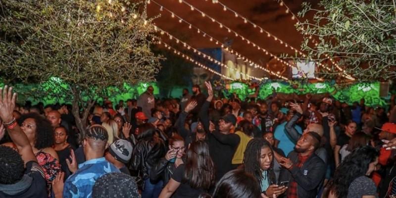 Miami Sunday Hip Hop  -  South Beach Limo w 1 Hour Open Bar + Club Entry ,Miami Beach